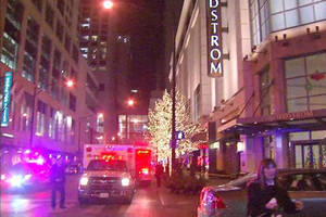 2 people shot, 1 killed in Chicago Nordstrom store